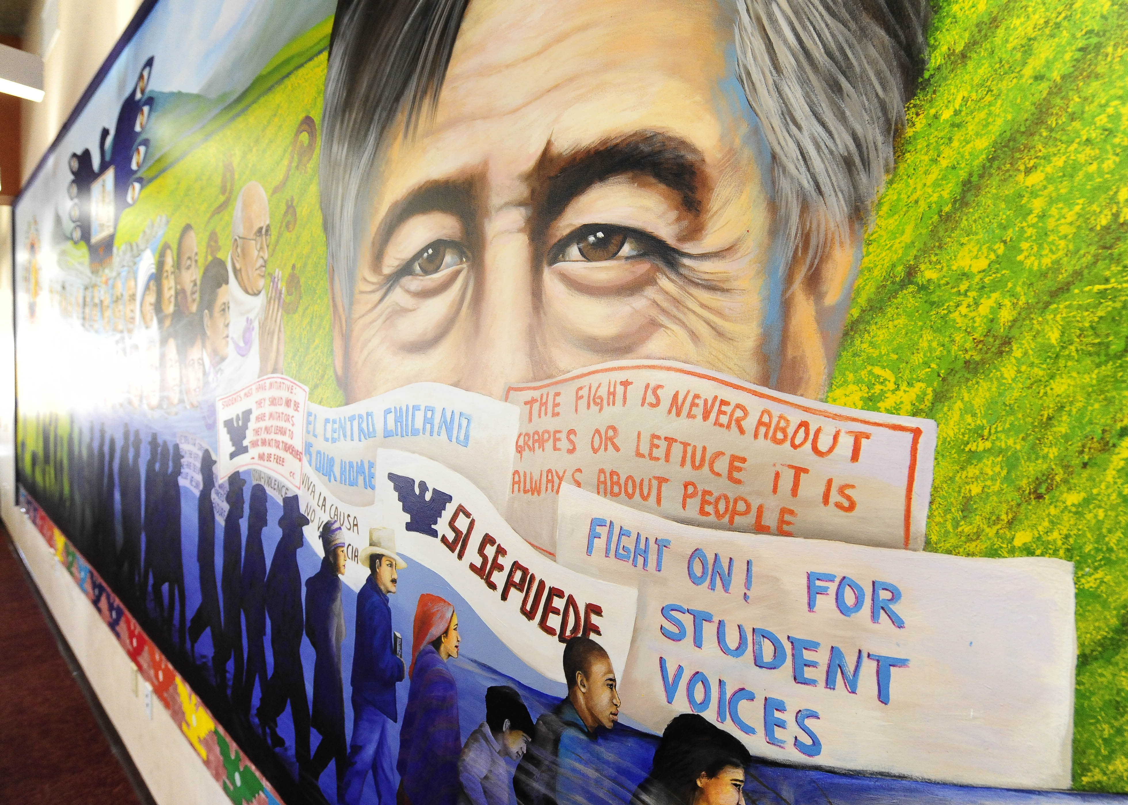 Cesar chavez film hosted by el centro on march 28 usc for Cesar chavez mural